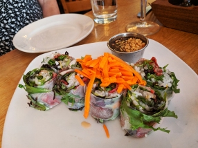 Ngon Bistro: Spring rolls