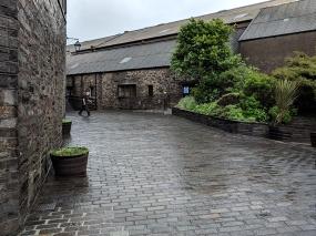 Highland Park: Courtyard