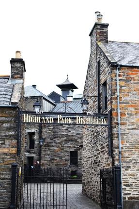 Highland Park: Gates