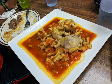 Homi: Pollo en estofado