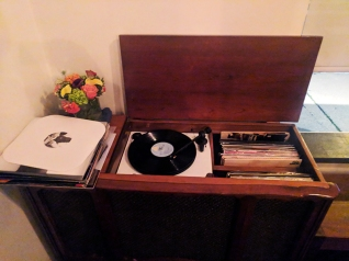 Tenant: Record player
