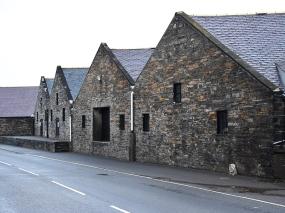 Highland Park: Roadside warehouses