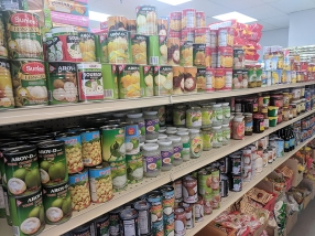 Viet Hoa Lao Market: Canned fruit etc