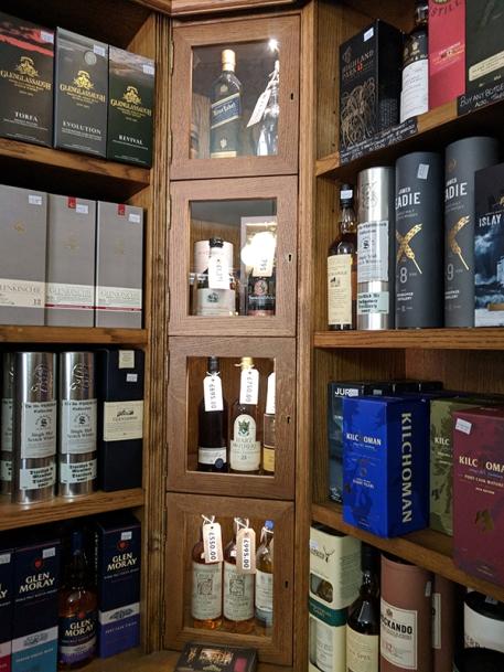 Royal Mile Whiskies: Some high-end bottles