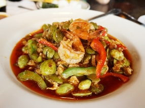 At their best, On's is the best Thai restaurant in the Cities (though Bangkok Thai Deli may be more consistent). This dish may be a slightly acquired taste (sator beans are called stink beans for a reason) but we love it.