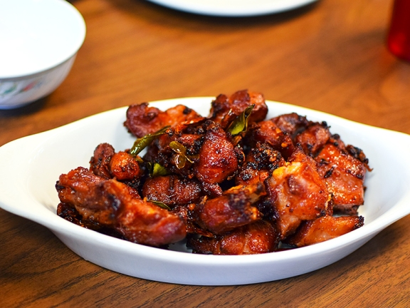 Thai Cafe: Sour pork ribs