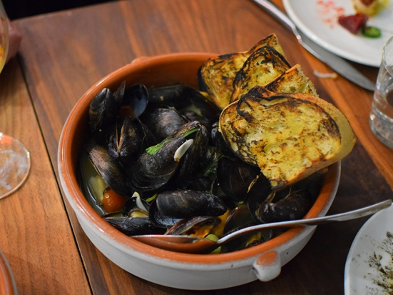 Martina: Steamed Mussels