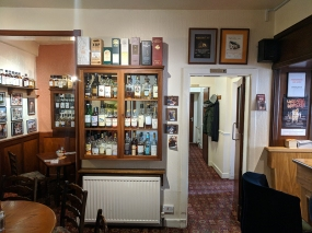 The Highlander Inn: Downstairs