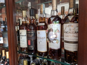 The Highlander Inn: More Macallans