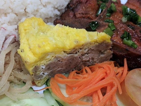 Tay Ho: Meat pie