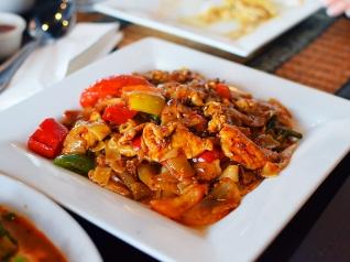 Joy's Thai: Pad kee mao