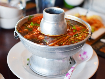 Joy's Thai: Tom yum seafood