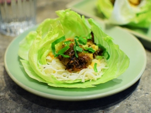 Chôm Chôm, Short rib lettuce wraps