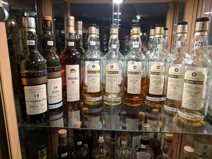 Dornoch Castle Whisky Bar, Rare Malts, Rare Old