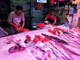 Sai Ying Pun Market, Fishmongers2