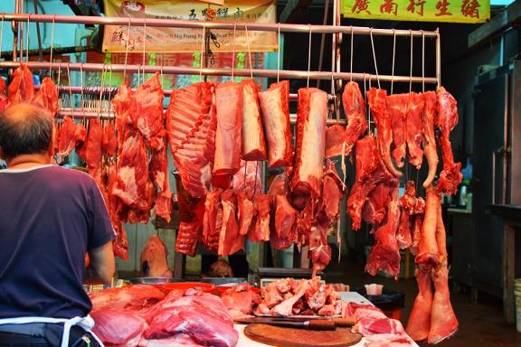 Sai Ying Pun Market, Street butcher
