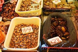 Sai Ying Pun Market, Whelks2