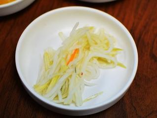 Sole Cafe: Banchan, unseasoned strips of radish