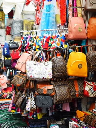 Ladies Market, Bags