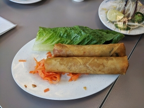 pho everest, egg rolls