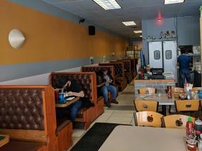 pho everest, interior2