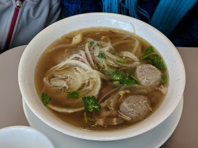 pho everest, special pho, small