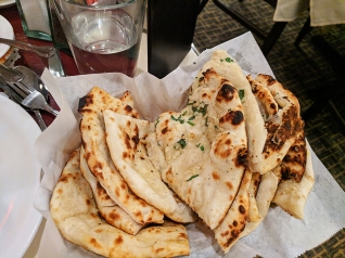 Darbar India Grill, Apple Valley, Naans