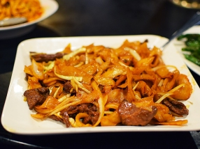 These hand cut noodles are a new favourite. Here with beef.