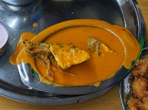 Highway Gomantak, Fish curry