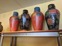 Mantra Bazaar, Vases