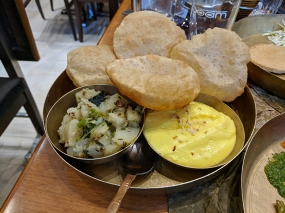 Soam, Shrikhand-puri and batata nu shaak