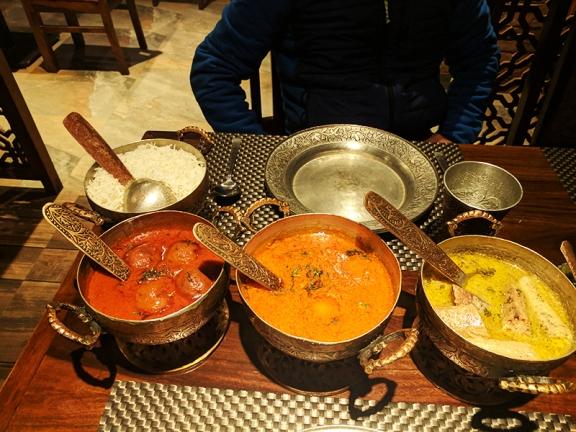 Khyen Chyen, Dinner