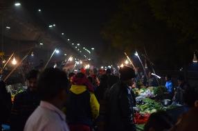 Mangal Bazar, Even more shoppers
