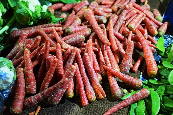 Ah, red carrots. You need them for the best gajar halwa.