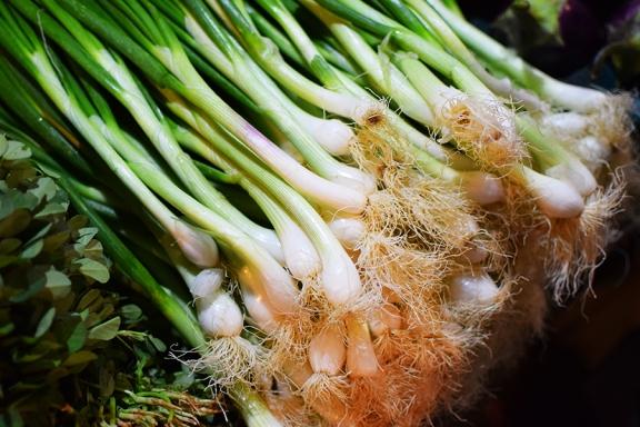 Mangal Bazar, Green onions