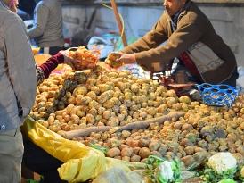 Mangal Bazar, Potato seller