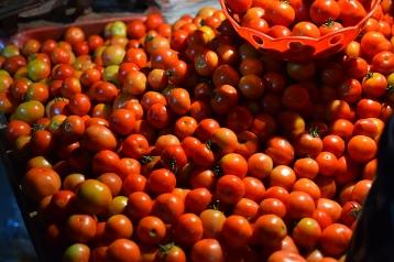 Mangal Bazar, Tomatoes