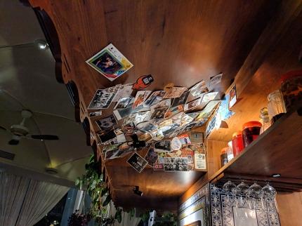 O Pedro, Bar postcards