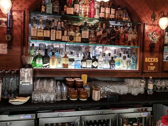 O Pedro, Bar