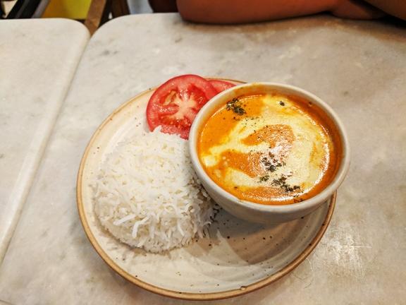 Talli Joe, Butter chicken with rice