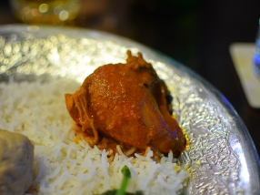 Made with Kashmiri chillies (not spicy), ginger and fennel powders and kasoori methi (dried fenugreek leaves).