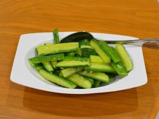 Rui Ji Sichuan, Cucumbers w. mashed garlic