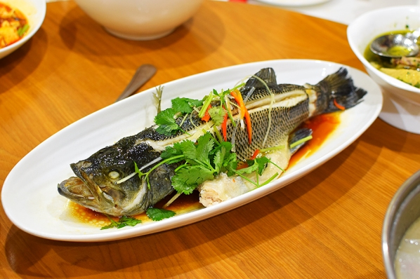 Rui Ji Sichuan, Steamed Big Mouth Bass