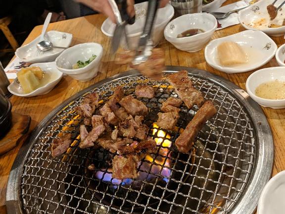 Ahgassi Gopchang, Pork short rib, done