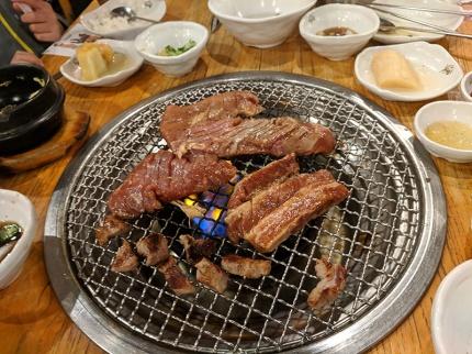 Ahgassi Gopchang, Pork short rib