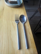 Canis, Cutlery change