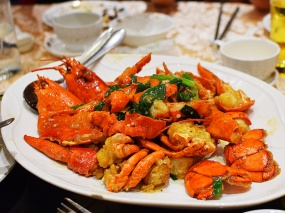 Crown Princess, Stir-fried twin lobster with ginger and onion