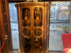 Crown Princess, Wine cabinet