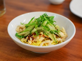 Golden Horseshoe II, Cold noodles w. pulled chicken