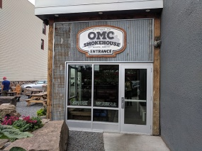 OMC Smokehouse, Entrance